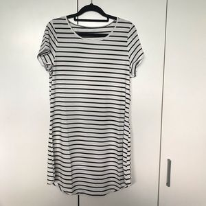 Black and White Striped T-shirt Dress NWOT Size 10